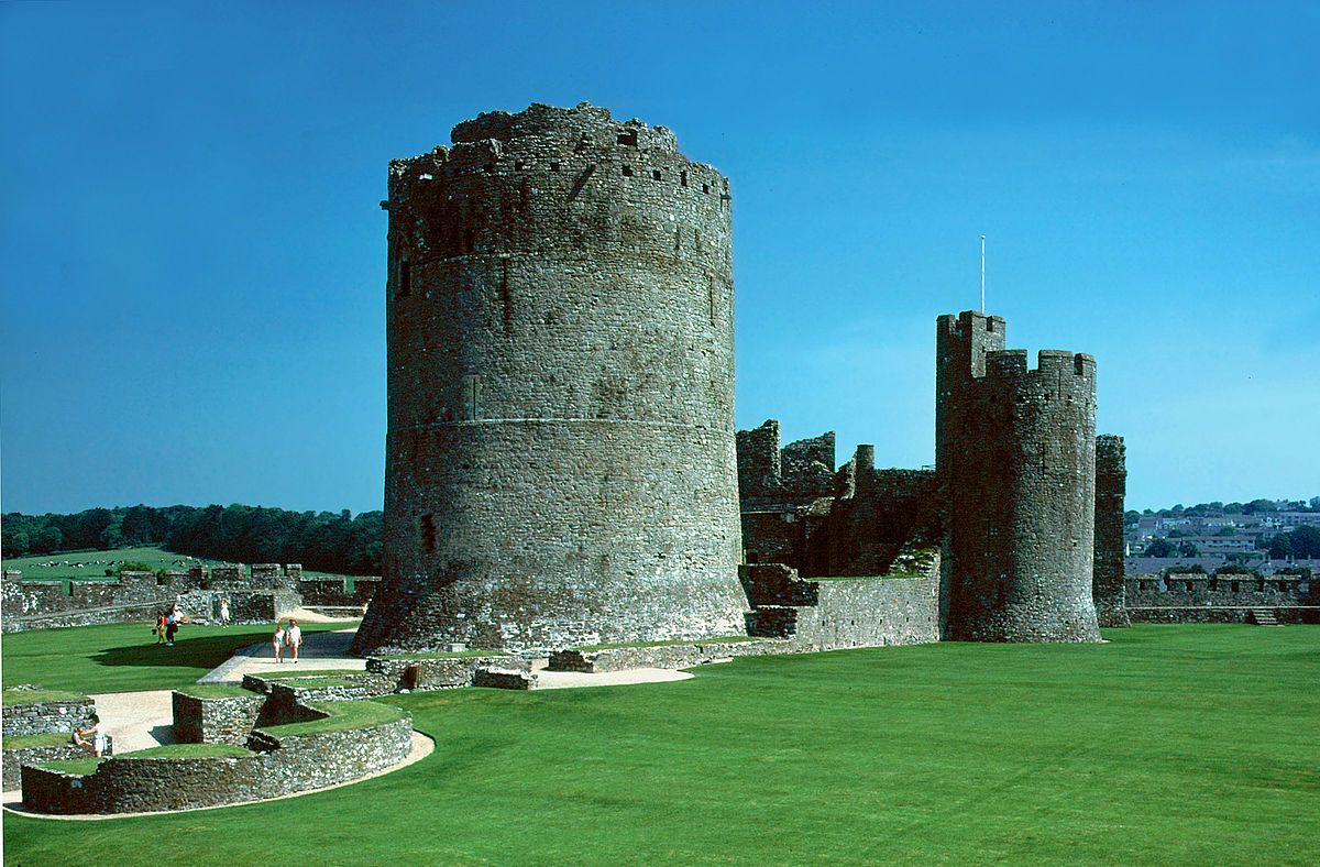 Gerald de Windsor c 1075  1135 or Gerald FitzWalter of Windsor was the first castellan of Pembroke Castle in Dyfed in the late 11th and early 12th centu