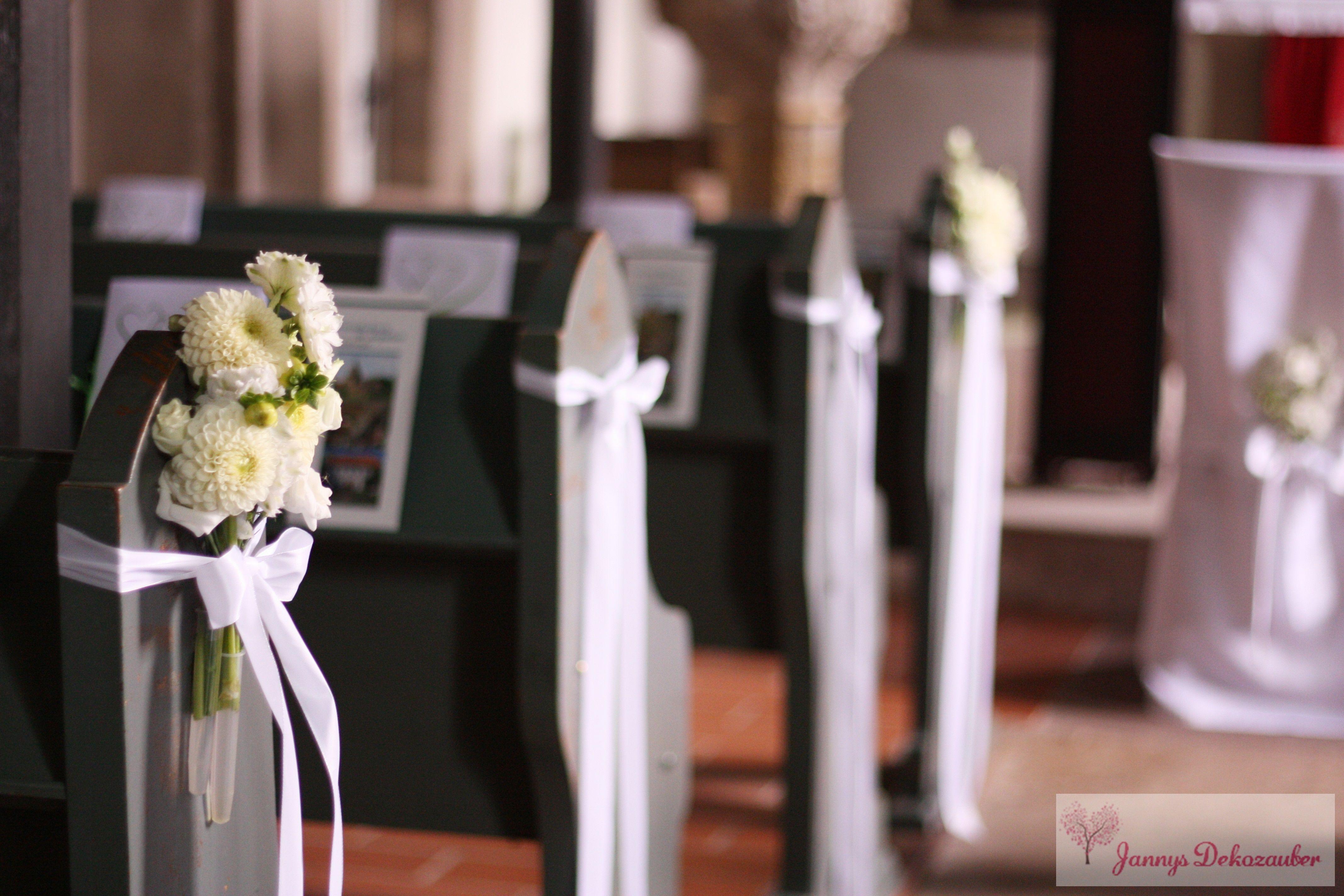 Hochzeitsdeko kirche individuelle schleifen kirchenb nke for Dekoration hochzeit kirche