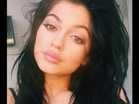 ▶ Kylie Jenner Lips - How to get Big Lips with Makeup - YouTube