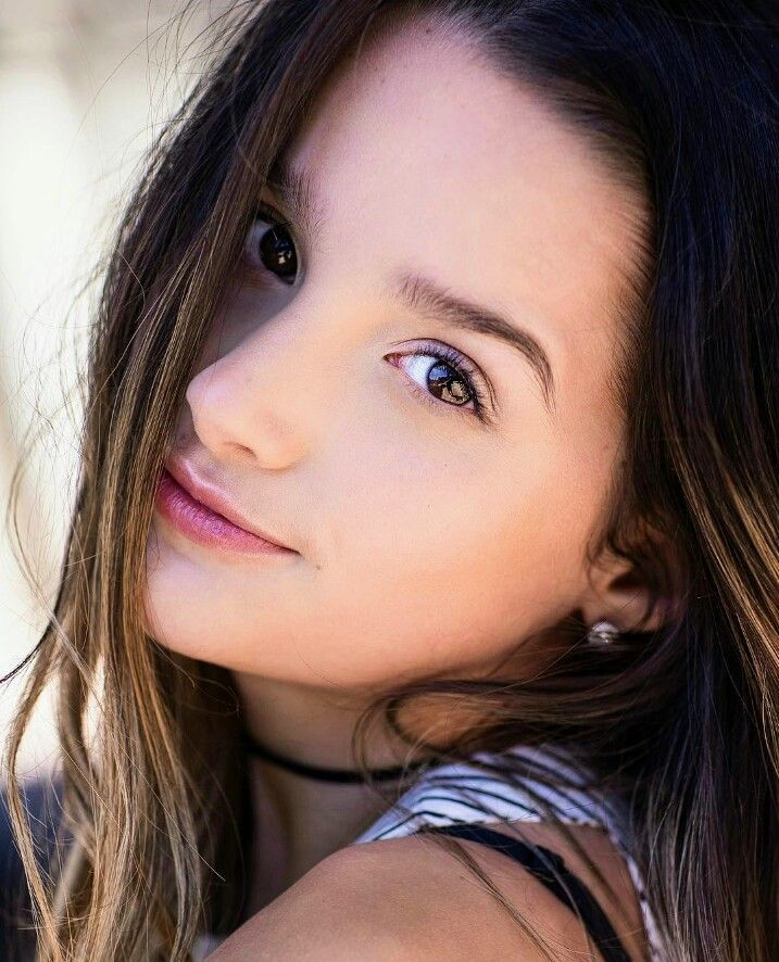 annie leblanc how can a 12 years old be that pretty annie le