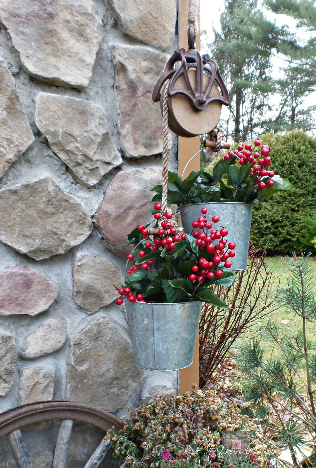 Garden decor out of junk  garden planter pulley holiday decor farm decor farmhouse