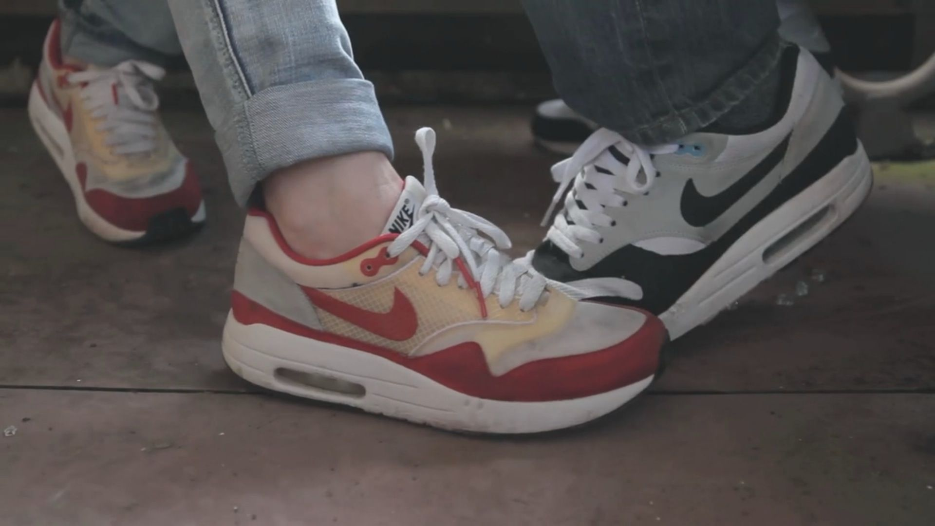 nike air max 1 team red camo wallpaper