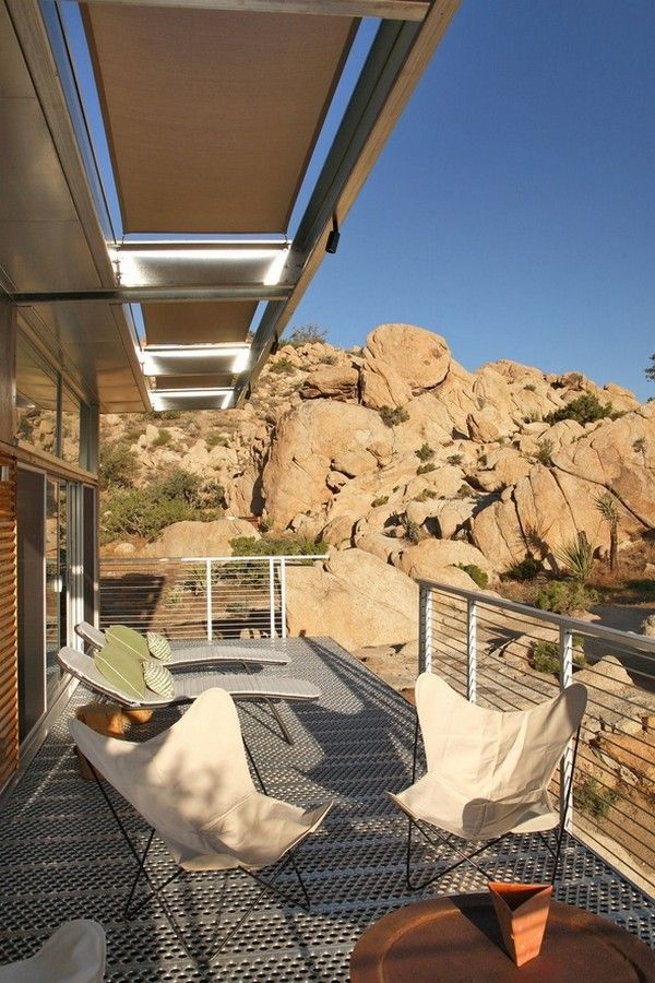 Sustainable Prefabricated Residence in Mojave Desert, California: Bluesky Home