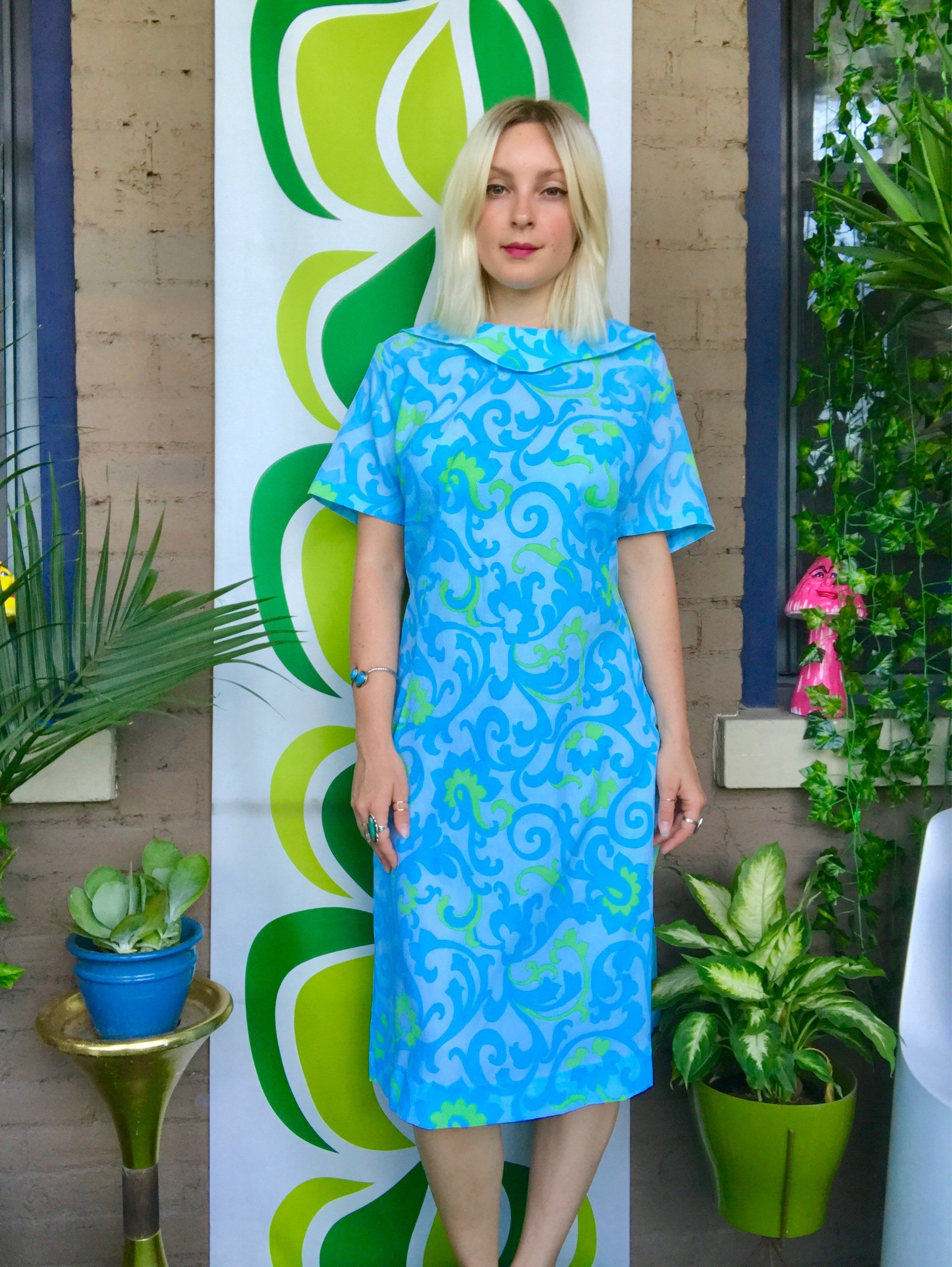 4daa9a820d5 1960s psychedelic swirl scalloped roll collar midi dress plus size blue  green day glo mod 60s short sleeve day dress XL XXL