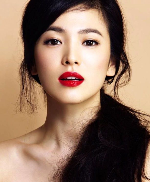 statement red lips :: Song Hye Kyo