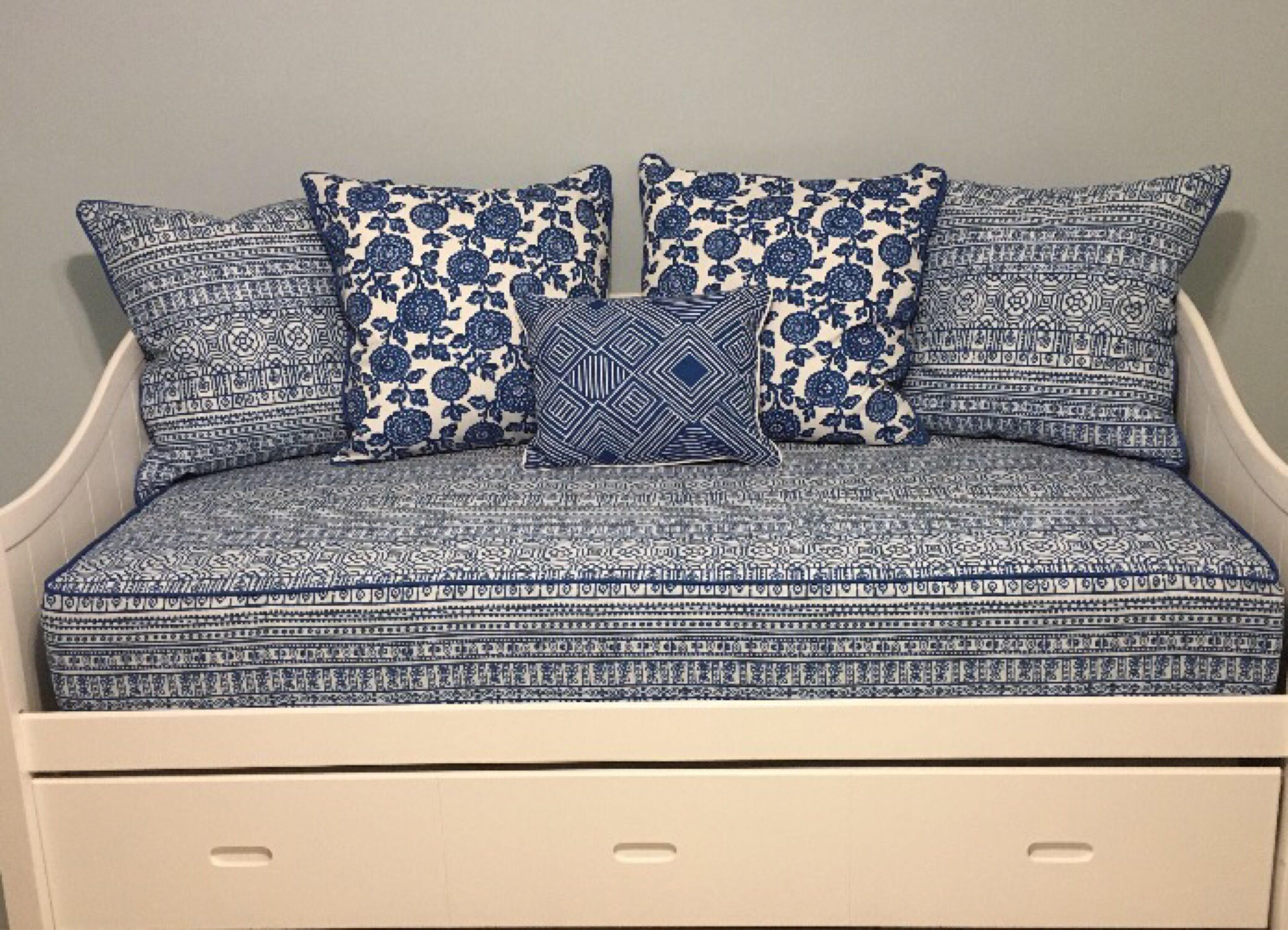 Fitted Daybed cover with CORDING/PIPING in twin, twin xl ...