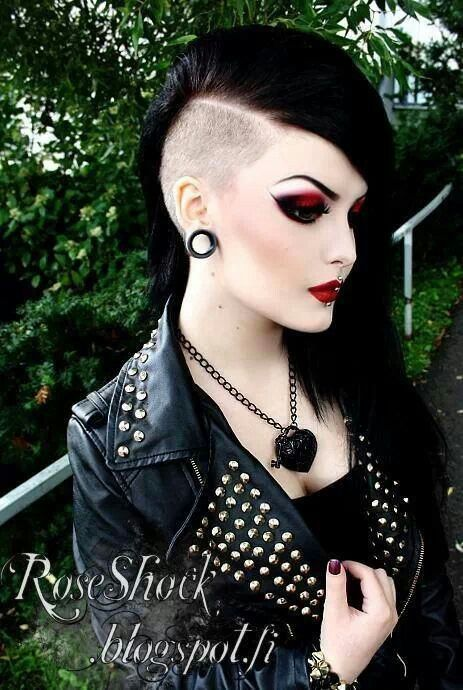 I wish I had the gut to try this hairstyle.>>>I own this hair                                                                                                                                                      More
