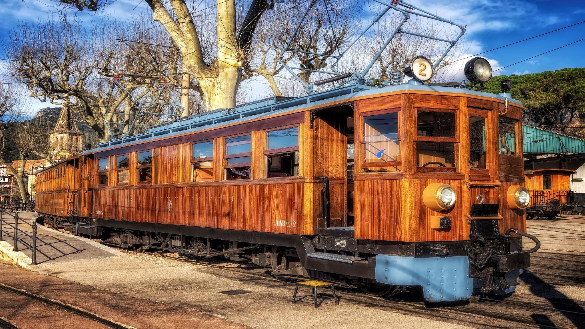 El Tren de Sóller - The Ferrocarril de Sóller (English: Railway of ...