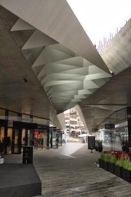 Balonas and Menano Architects - Praca de Lisboa, Porto