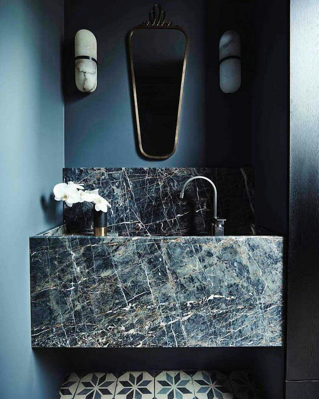 Blauwtinten met luxe natuursteen wasbak op maat - Badkamer ...