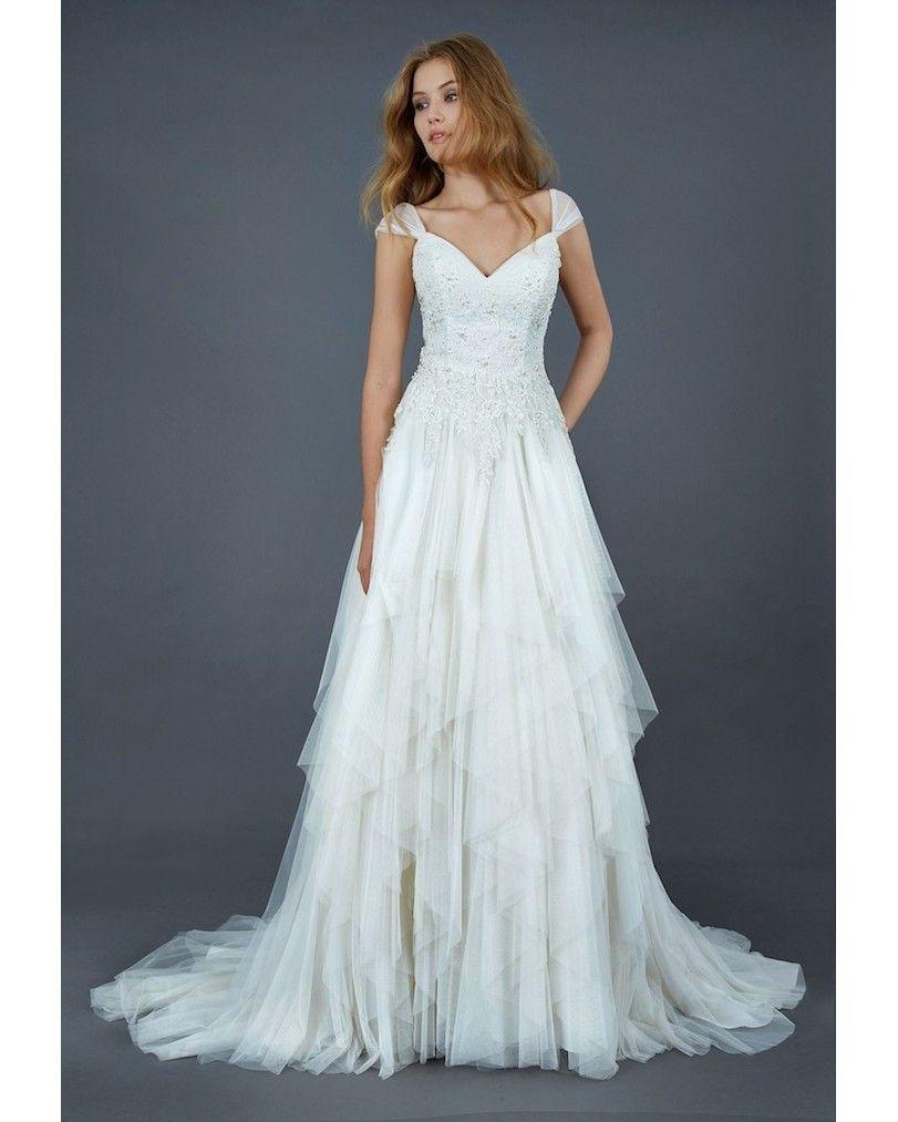 Vestido lindo com o toque retrô.Inspire-se com Guia Noiva! www.guianoivaonline.com.br #casamento #guianoiva #noiva #rendas #vestido #vestidodemadrinha #vestidodenoiva #wedding #weddingdress #weddinginspiration by guianoiva