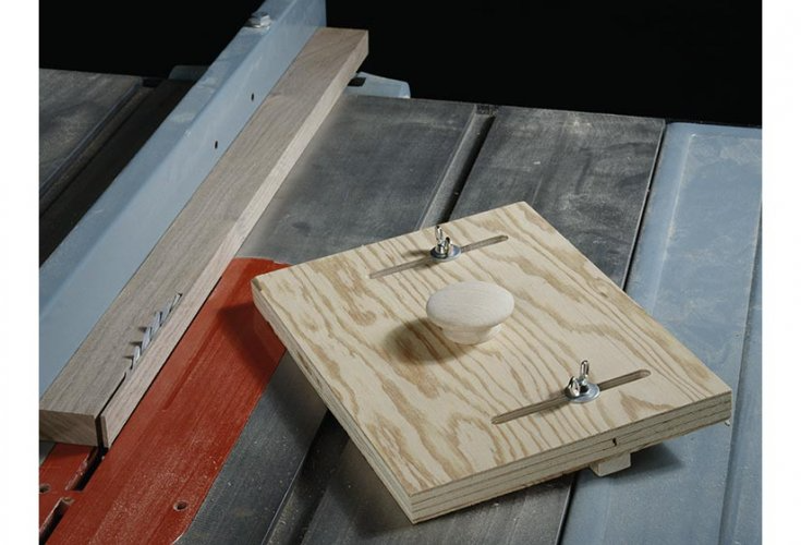 Ripping thin strips between the tablesaw blade and fence can be risky business.