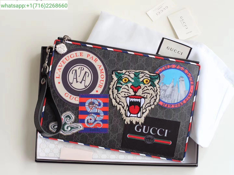 eb9d63a0c77df Gucci Courrier GG Supreme pouch 473915