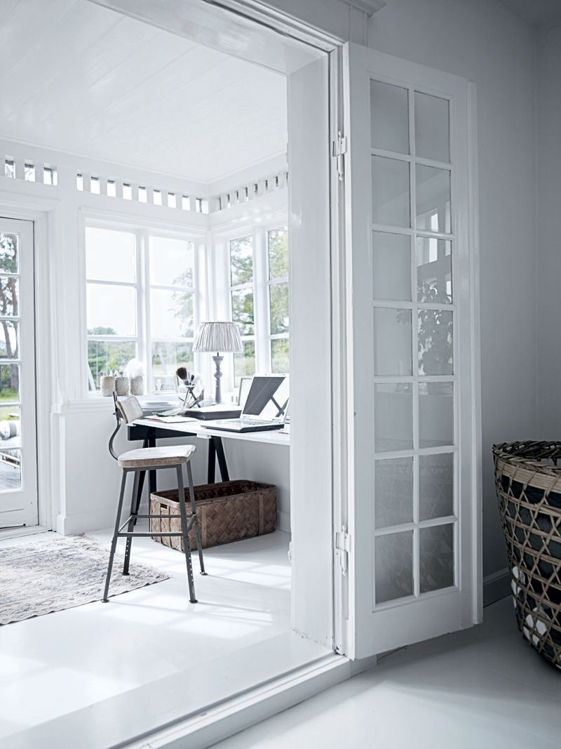 All White Interior Design of the Homewares Designer Home   DigsDigs ...