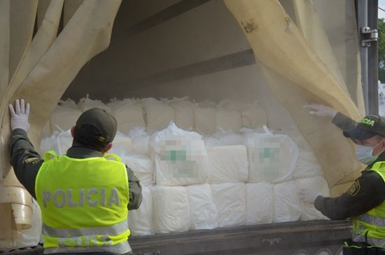 Policía Logra la incautación de 6.000 kilos de quesos sin etiqueta ni rotulo.