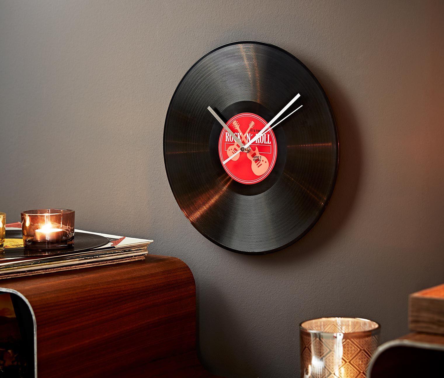 8 99 wanduhr im schallplatten design hier dreht sich nicht der plattenteller sondern die - Schallplatten wand ...