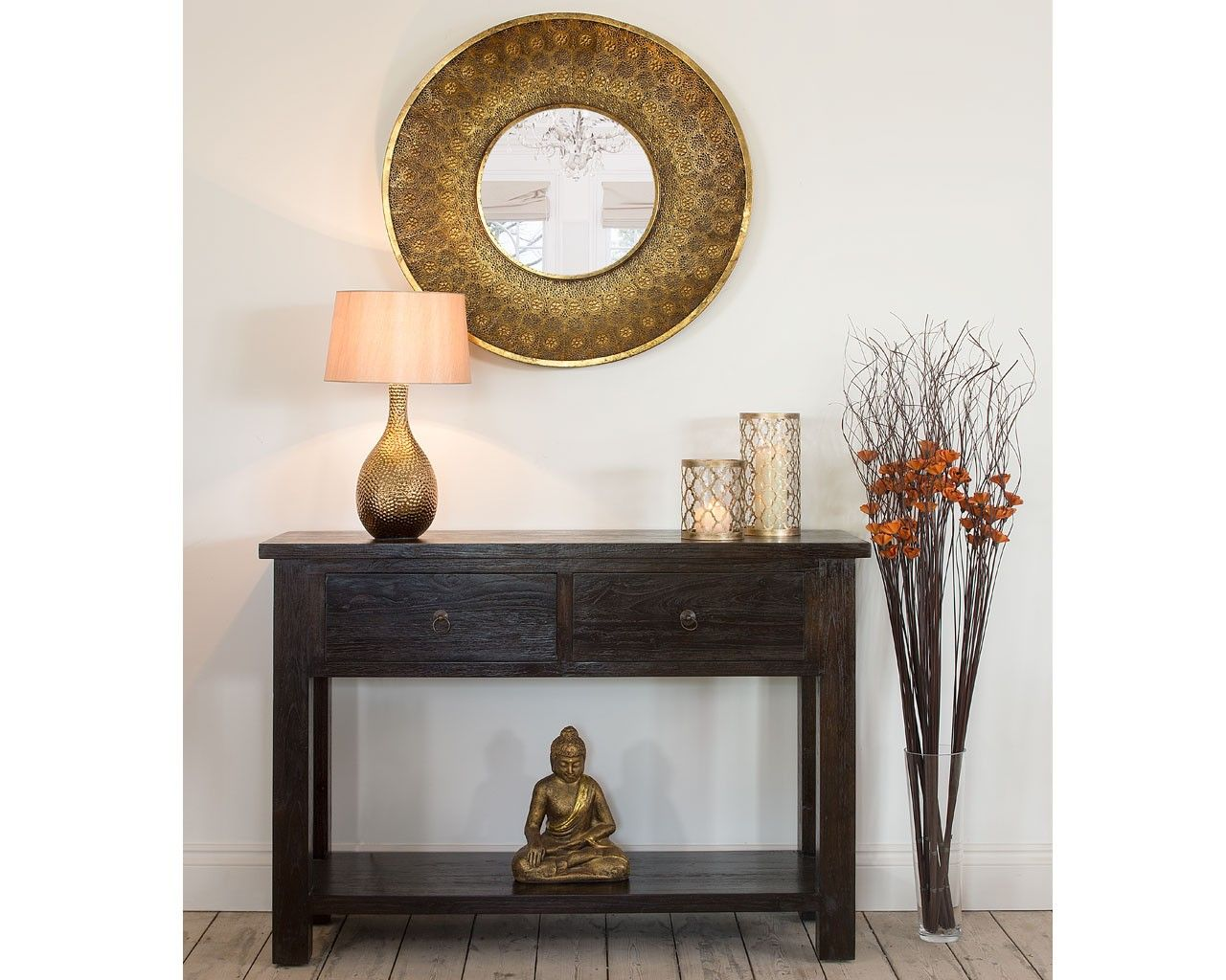 Bright vases trays dishes aroma lamps mirrors in beautiful frames - Lara Round Gold Wall Mirror The Lara Round Wall Mirror Features A Beautiful Frame With