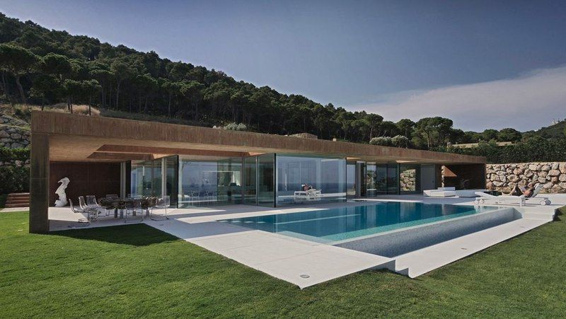 façade piscine - maison réhabilitée par MANO Arquitectura - Begur
