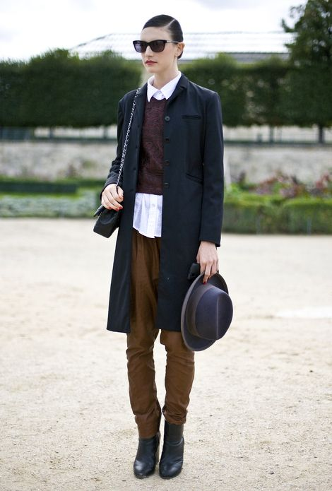 Love this, but hate the sunglasses. The hat is 'ok' but would be better with long, loose hair.