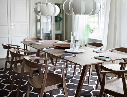 Table et chaises stockholm en placage de noyer piste boat