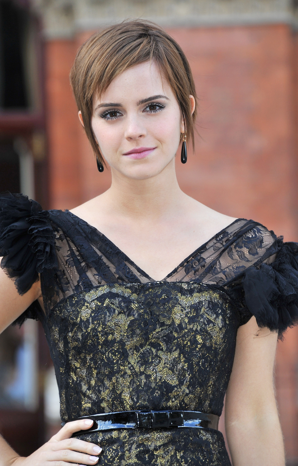 Emma Watson S Hair Evolution From Hermione To Belle In 2020 Emma Watson Hair Emma Watson Short Hair Short Hair Styles