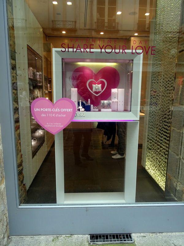 swarovski vitrine saint valentin retail window display valentine 39 s day pinterest vitrine. Black Bedroom Furniture Sets. Home Design Ideas