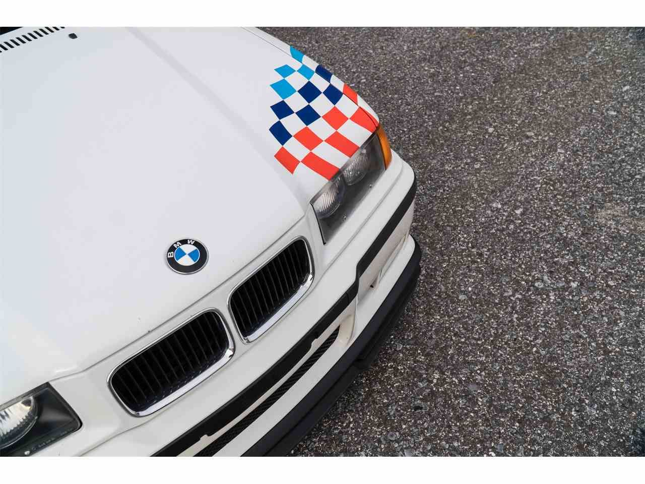 1 Of Approximately 125 1995 Bmw M3 Lightweight With Signature Livery For Sale Classiccars Com Listing Id Cc 1061949 Driveyourd 1995 Bmw M3 Bmw Bmw M3