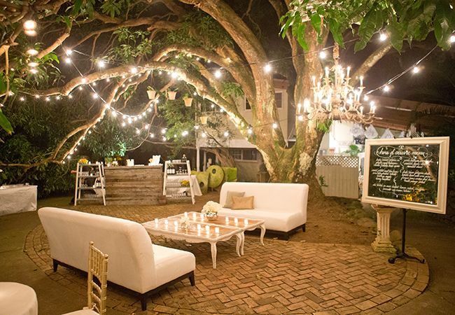 Cocktail Wedding Ideas: Kick Up Your Cocktail Hour With These Amazing Lounge Ideas