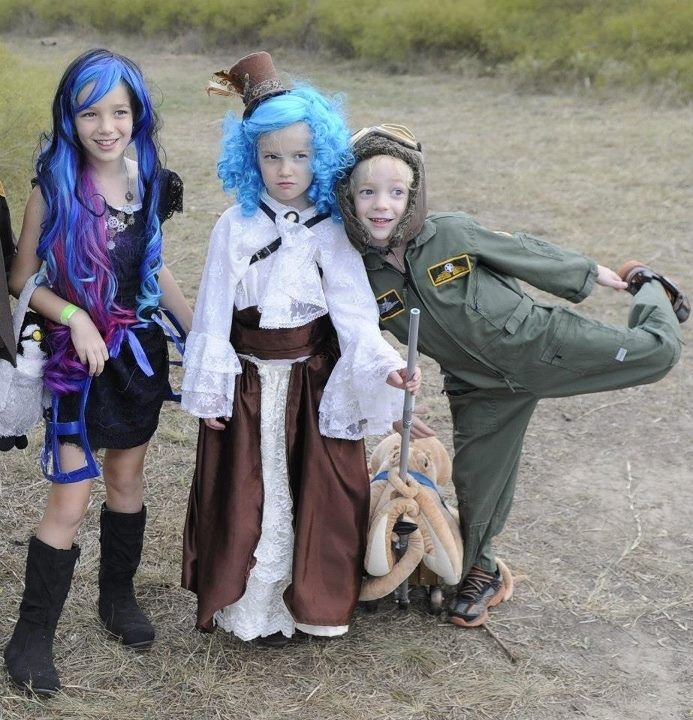Ste&unk Kids costumes for showdown. Robecca steam (monster high) Victoria and Otto  sc 1 st  Pinterest & Steampunk Kids costumes for showdown. Robecca steam (monster high ...