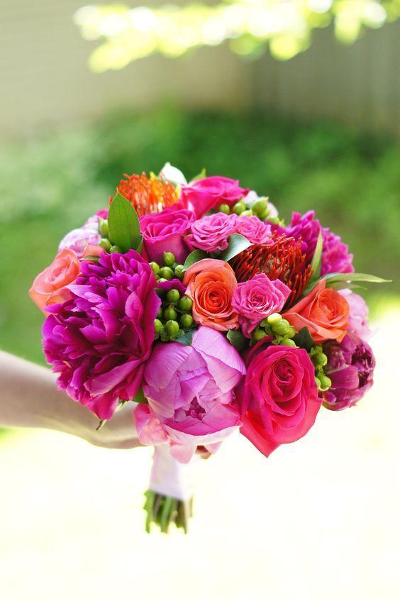Photo of Rose spray rosa caldo e arancio, peonie