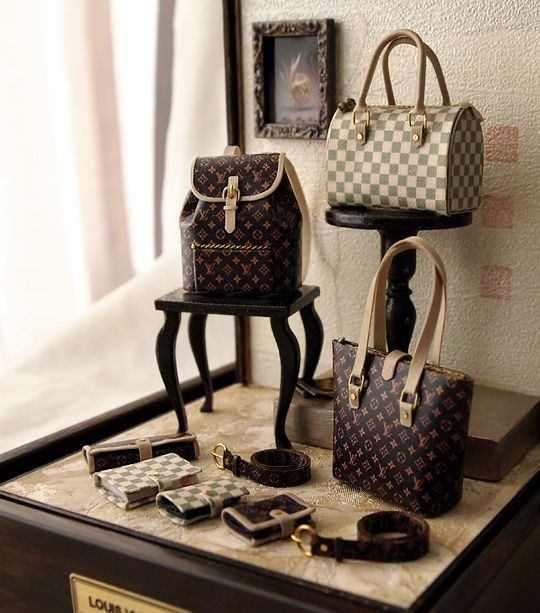 Dollhouse Miniatures St Louis: Miniature Doll' House Louis Vuitton Pushes And Wallets. Oh