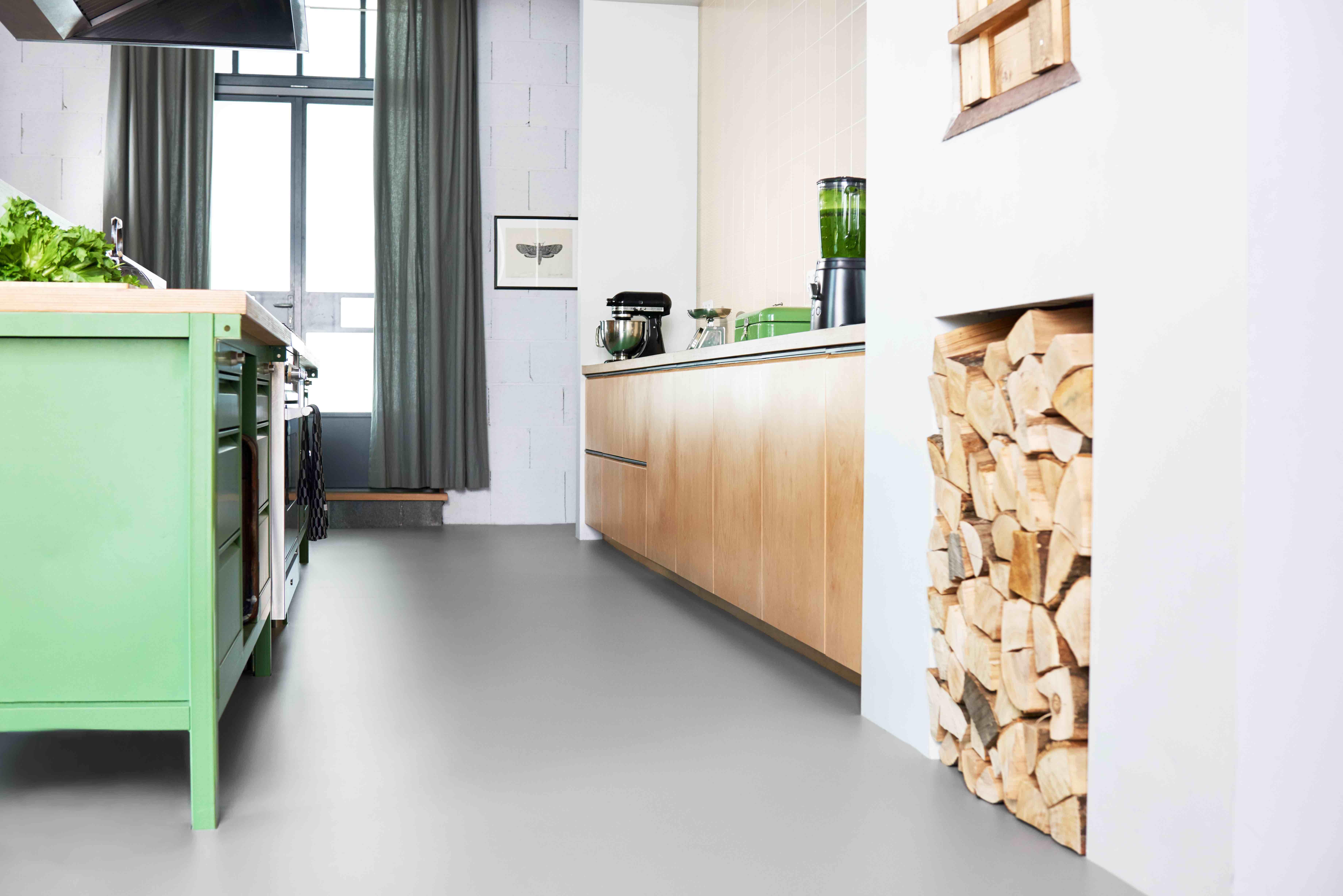 Flow promo marmoleum animals love flooring love