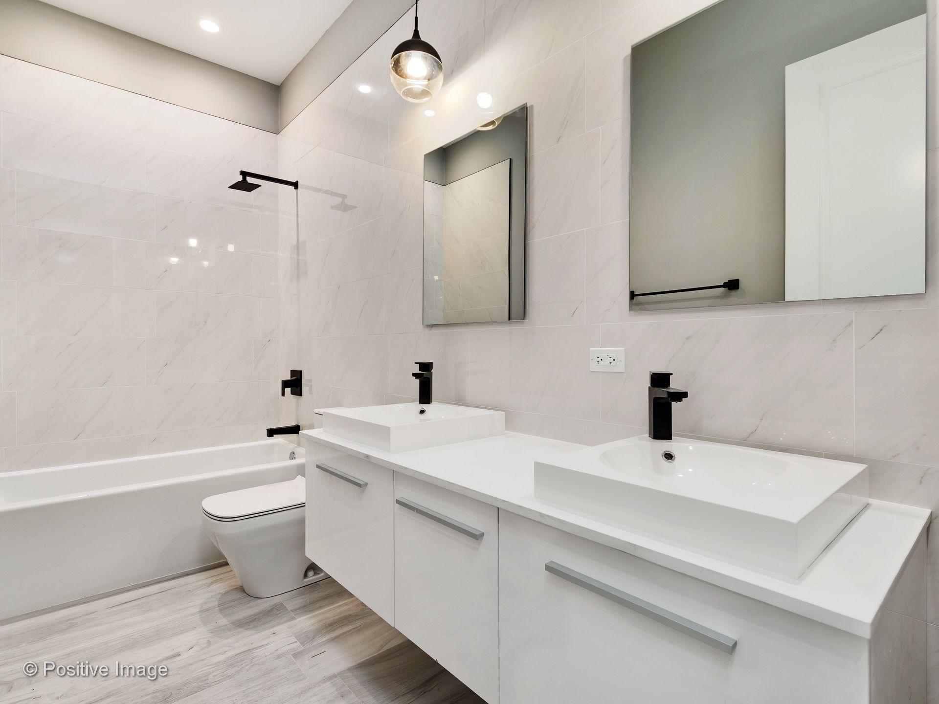 Traditional Bathrooms Haarlem.Pin By Noah Properties Chicago On Bathroom Bathroom House