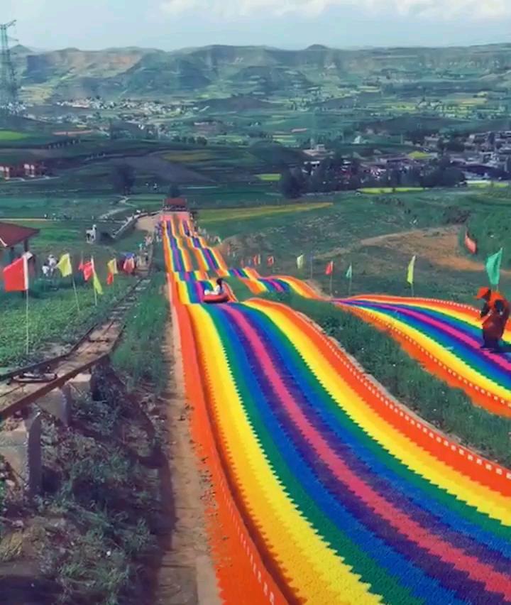 r/oddlysatisfying Slide track to wonderland
