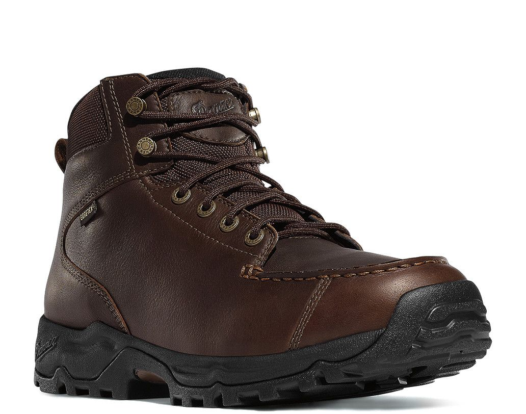 OverviewFocusing on cushioning and long lasting comfort, the Fowler features a durable waterproof full-grain leather upper an antimicrobial footbed with open cell construction for air circulation, an EVA cushioning midsole and Danner's lightweight Synergy system platform.Boot FeaturesDurable, waterproof full-grain leather upper with urged and lightweight 1000 Denier nylonRugged hardware for secure fit and long lasting performance100% waterproof and breathable GORE-TEX® liningAntimicrobial…