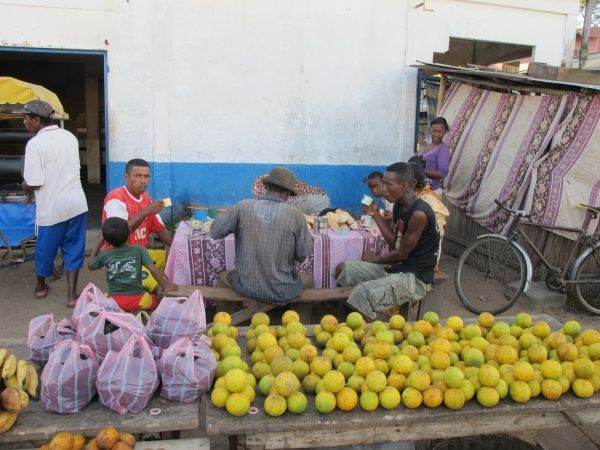 Laoranjy is Malagasy for orange, the fruit or the tree.