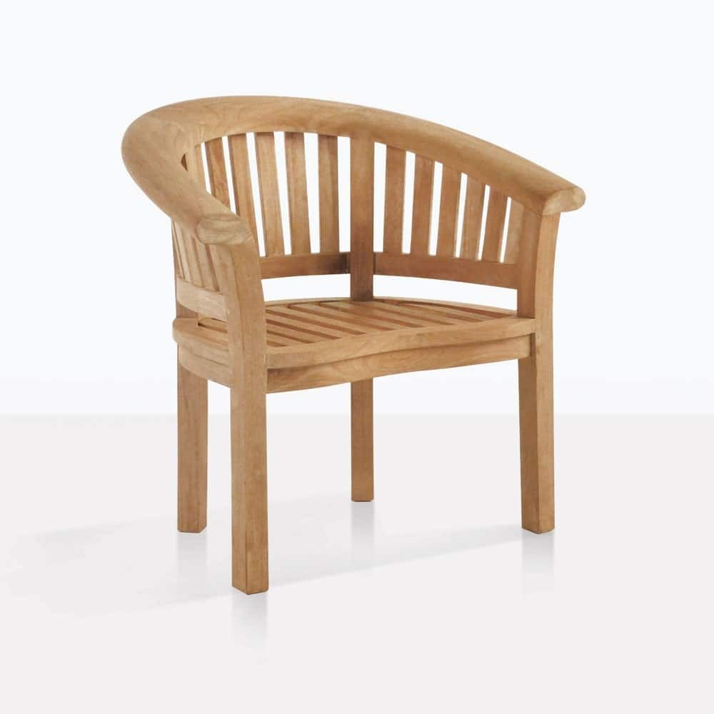 A Rounded Back Teak Chair With A Classic Design That S Still Fresh In Most Settings With The Small Footprin In 2020 Teak Chairs Outdoor Chairs Lounge Furniture Design