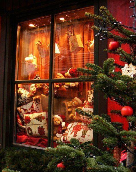 Christmas Eve ~~ I've seen many garage windows dresses for Christmas this way!