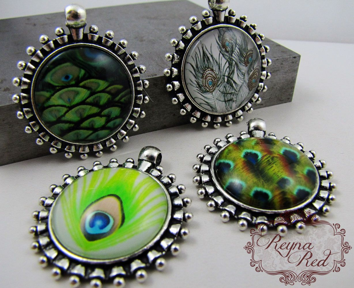 Green Feather Earrings and Pendant Set