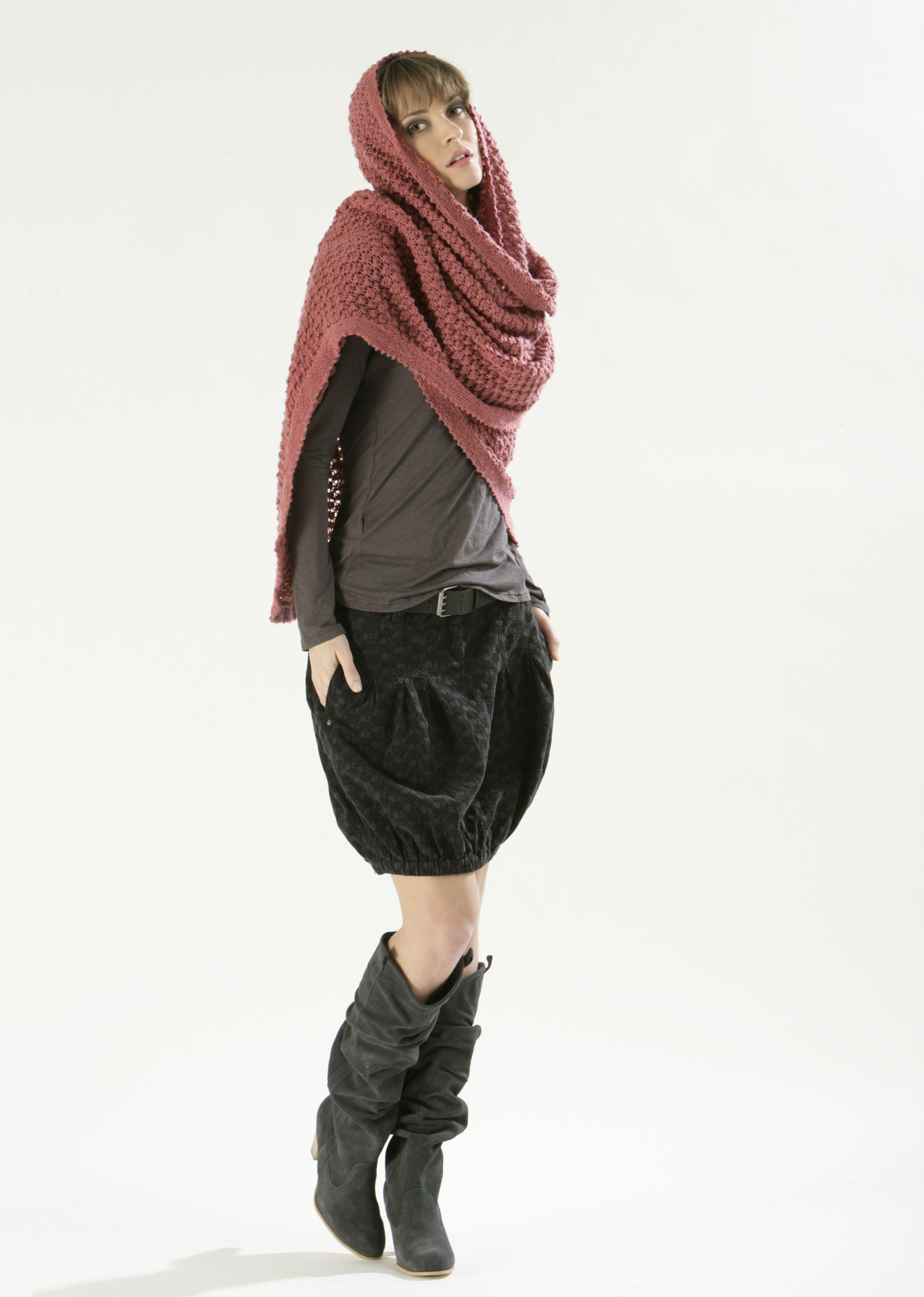 Modèle de tricot - Châle Femme - Catalogue Cheval Blanc n°10 - Laine  utilisée   ORIENT 3630f76c3e8