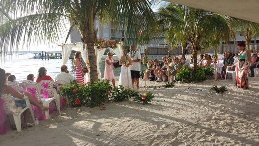 Ocean City Beach Wedding: Princess Bayside Ocean City Maryland Beach Wedding