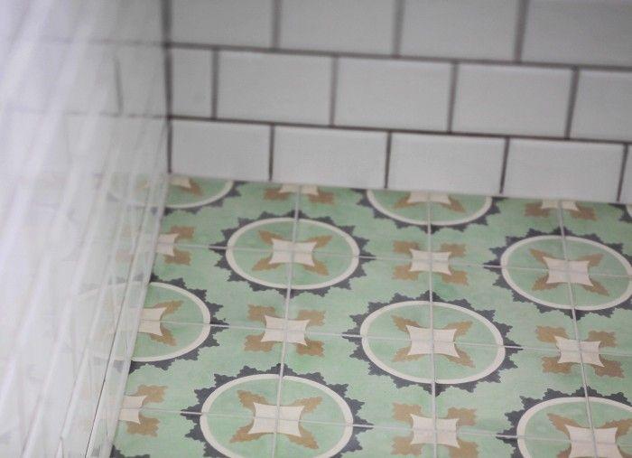 Tjuvkik på badrummet UnderbaraClara - Fliesen Marrakech design - fliesen bordre