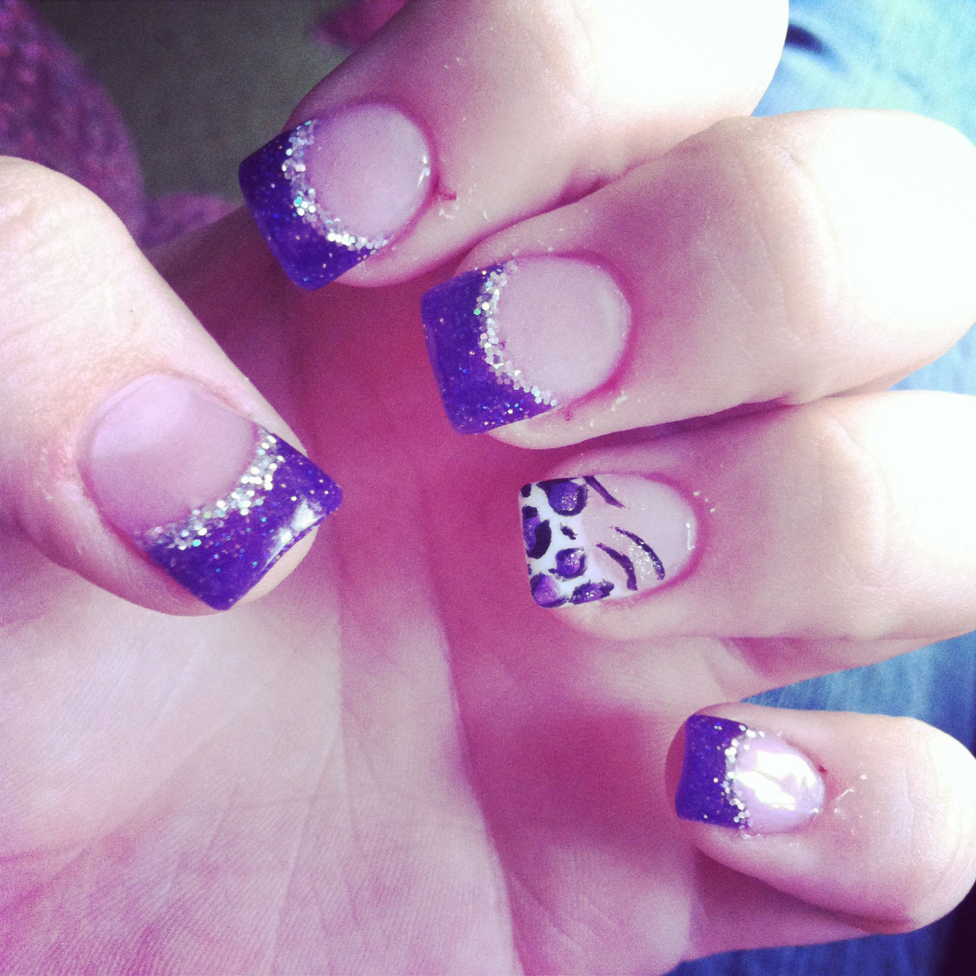 Pink zebra nails nails pinterest - Acrylic Nails Purple And Silver Tips With A White Cheetah And Zebra Party Nail