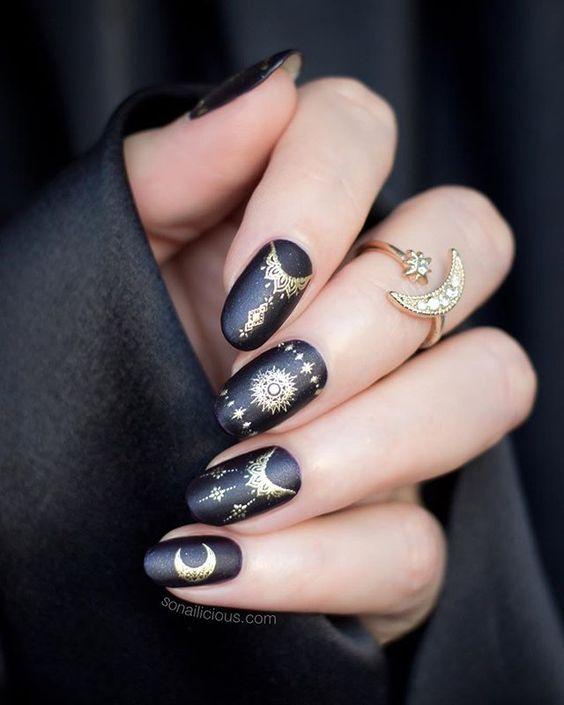 Modele de unghii negre - Black nails - YouTube