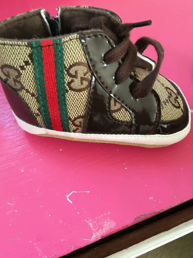 49682514bd2 Gucci Baby Shoes