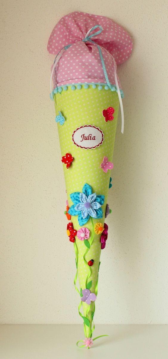 Photo of Eine in liebevoller Handarbeit gefertigte, traumhaft schöne Schultüte aus wund…