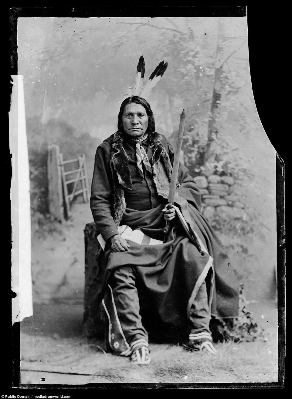 Photo of Haunting photos of Native Americans 100 years after last battle