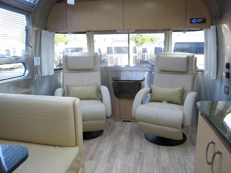 Enjoyable Recliners Instead Of A Sofa Rvs Airstream Airstream Rv Creativecarmelina Interior Chair Design Creativecarmelinacom