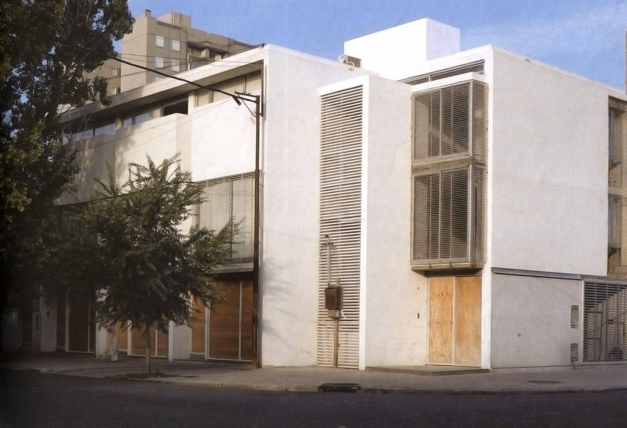 Alejandro Beltramone, Marcelo Ponzellini, Mariano Costa, Marisol Valenzuela arquitetos. Conjunto de Casas (2001-2003) [summa+, n. 71, fev. 2005]