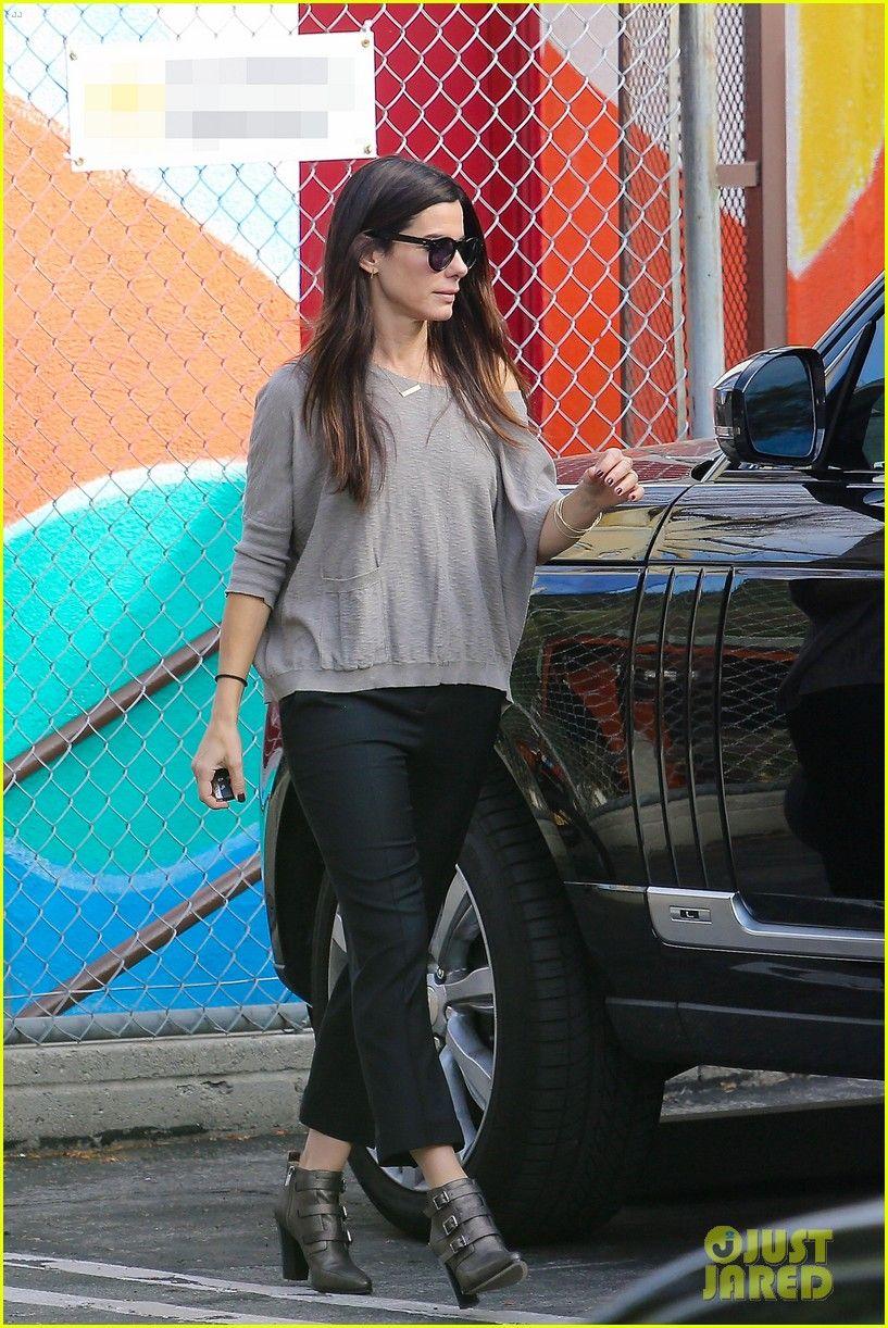 Sandra Bullock Has Awesome Street Style